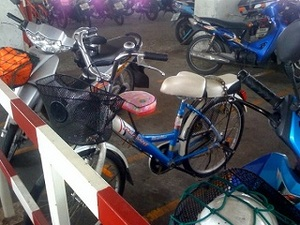 DIY bike seats in thailand with room for 3